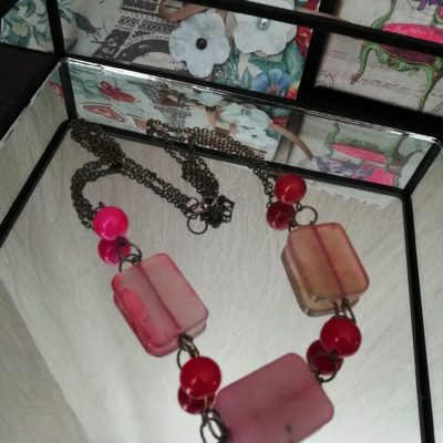 Бусы ручной работы с натуральным розовым кварцем